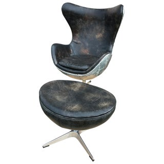 Arne Jacobsen Egg Lounge Chair & Ottoman - A Pair