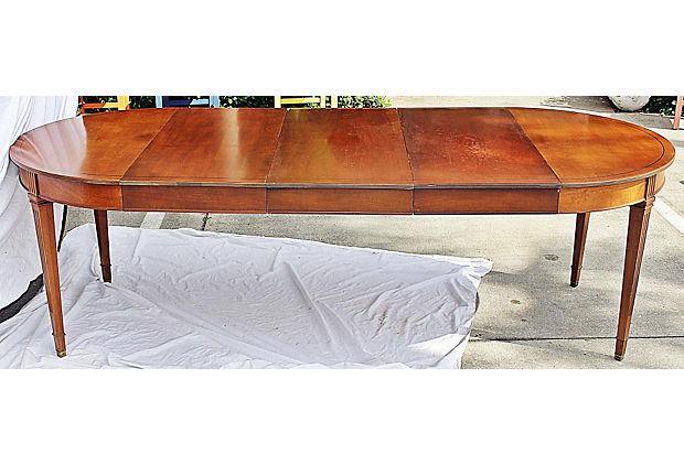 Henredon Heritage Mahogany Dining Table Chairish : cb0e5145 3f56 4d13 ac6d 4317f5aa7b1caspectfitampwidth640ampheight640 from www.chairish.com size 620 x 620 jpeg 47kB