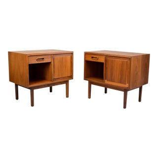 Jack Cartwright for Founders Walnut Nightstands - A Pair