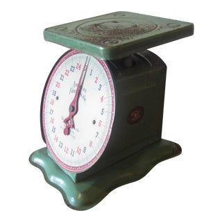 Charming Jade Colored Chicago Manufactured Vintage Family Scale