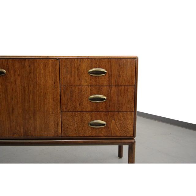 Widdicomb style mid century sideboard buffet chairish for Sideboard 90 x 60