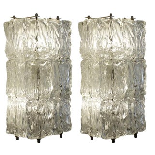 Graceful Pair of Murano Glass Sconces by Barovier and Toso