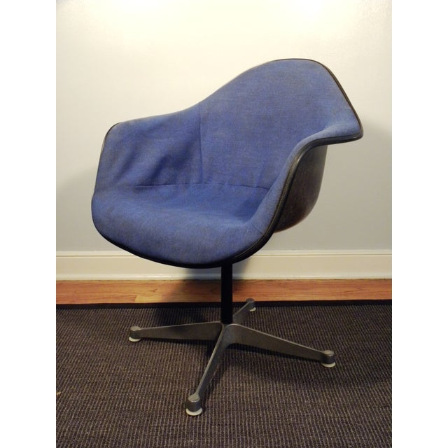 Herman Miller Mid-Century Shell Chairs - A Pair - Image 6 of 7