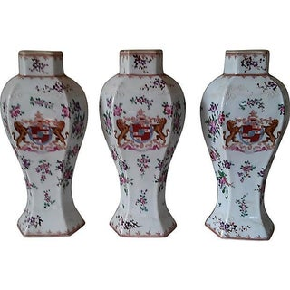 18th Century Antique Samson Armorial Vases - Set of 3