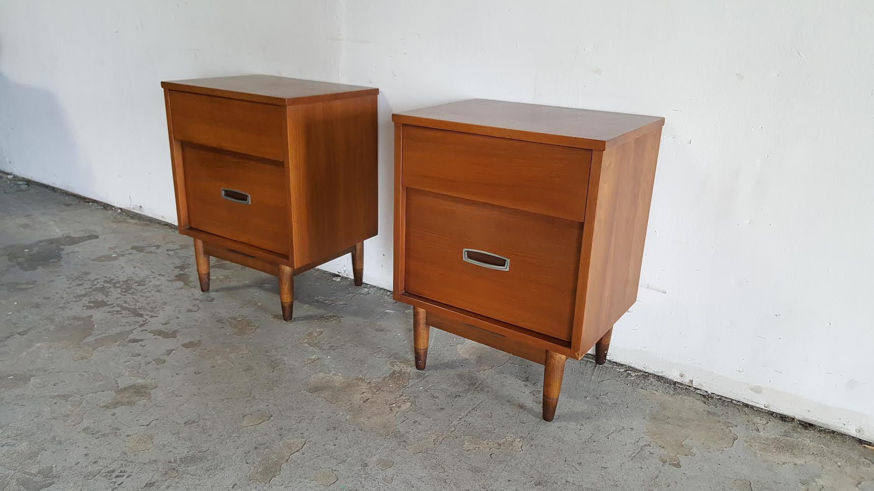 hooker mainline midcentury modern nightstands a pair image 4 of 11