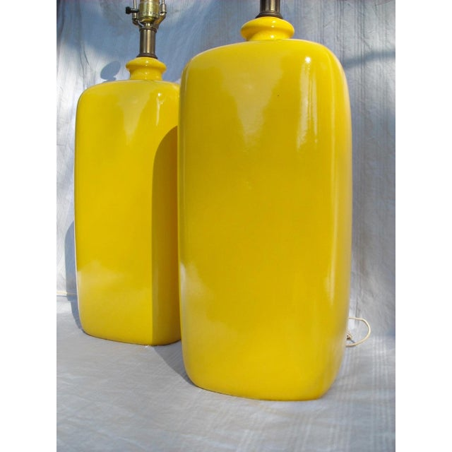 Mid Century Modern Vibrant Yellow Lamps - Pair - Image 4 of 8