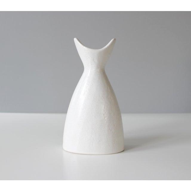 jonathan adler modern white ceramic pottery vase chairish. Black Bedroom Furniture Sets. Home Design Ideas