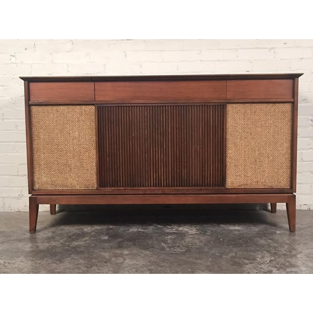 mid century modern stereo console tv stand chairish. Black Bedroom Furniture Sets. Home Design Ideas