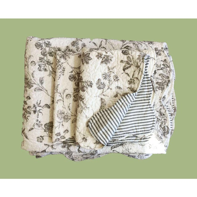 Black & White Matelasse Twin Coverlets and Shams - a Pair - Image 2 of 6