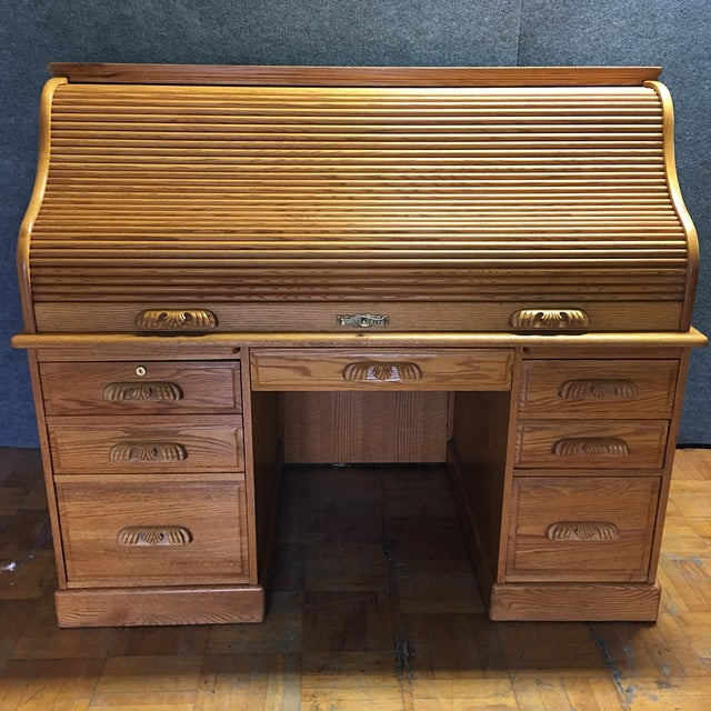 Traditional Winners Only Roll Top Desk - Image 2 of 10