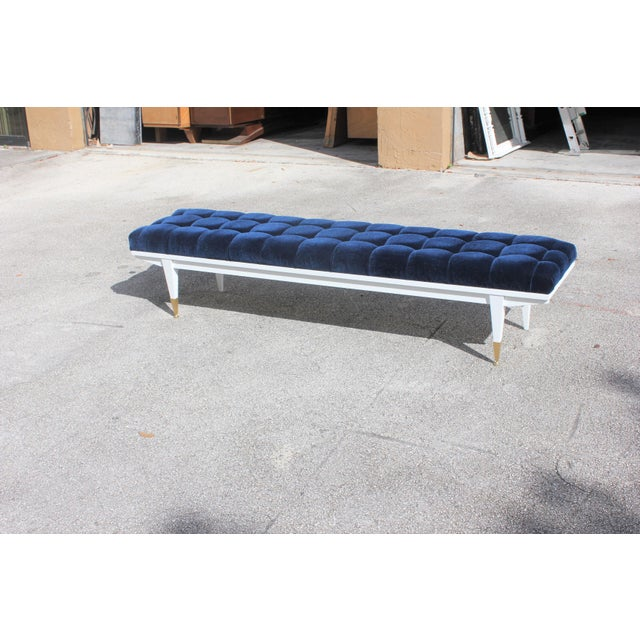 French Art Deco Snow White Lacquered Long Sitting Bench, circa 1940s. - Image 9 of 11