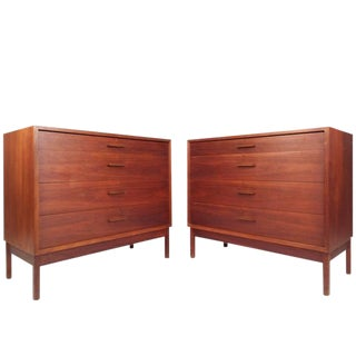 Jens Risom Style Mid-Century Chest of Drawers