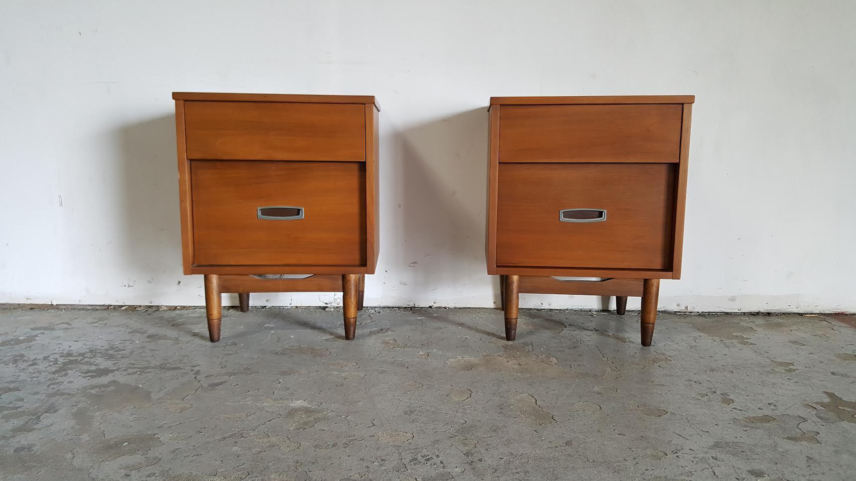 hooker mainline midcentury modern nightstands a pair image 3 of 11