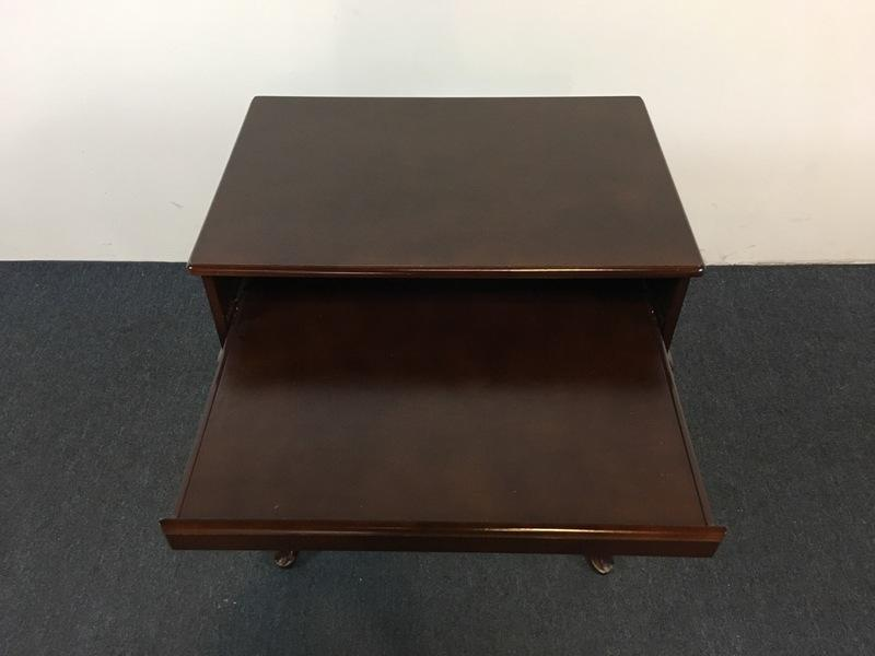 Contemporary Queen Anne Style Side Table   Image 5 Of 8