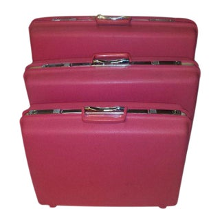 1960s Hot Pink Samsonite Luggage - Set of 3