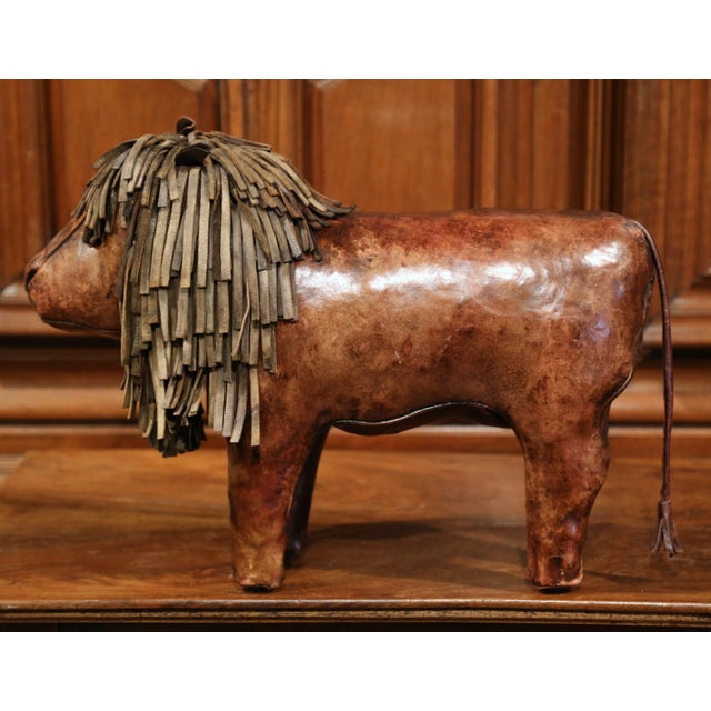 19th century English Foot Stool Lion Sculpture with Original Brown Leather - Image 2 of 8