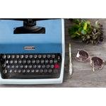 Image of Vintage Underwood 21 Typewriter