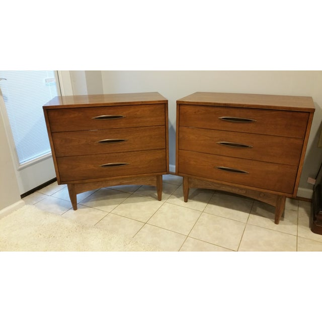 Image of Broyhill Emphasis Lowboy Chests - A Pair
