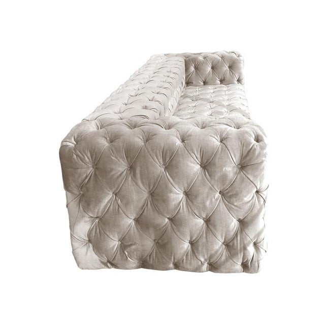 Exquisite it\'s a tuft world - the linens - custom - seating - daybed ...