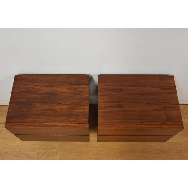 American of Martinsville Walnut Nightstands- a Pair - Image 5 of 8