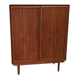 Mid-Century Gentleman's Chest of Drawers