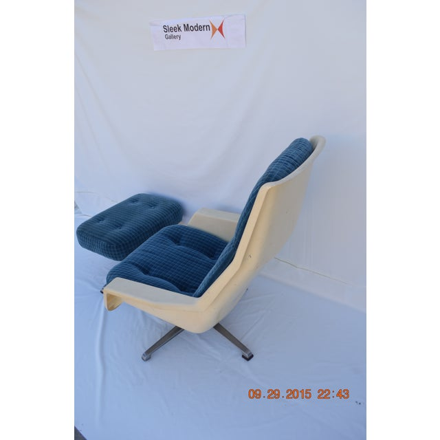 Molded Chair & Ottoman - Image 4 of 11
