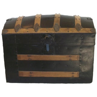 1890's Barrel Top Trunk