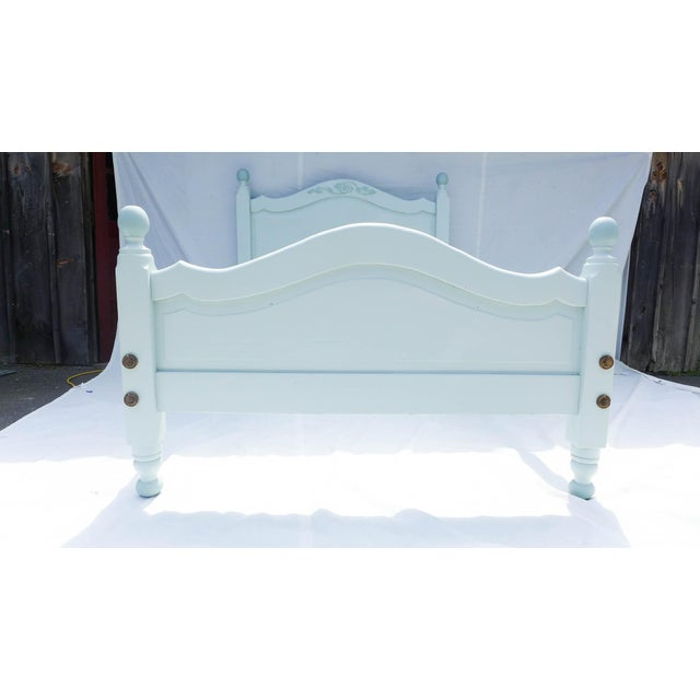 Wide Board Pine Painted Cottage Full Size Bedframe - Image 6 of 8