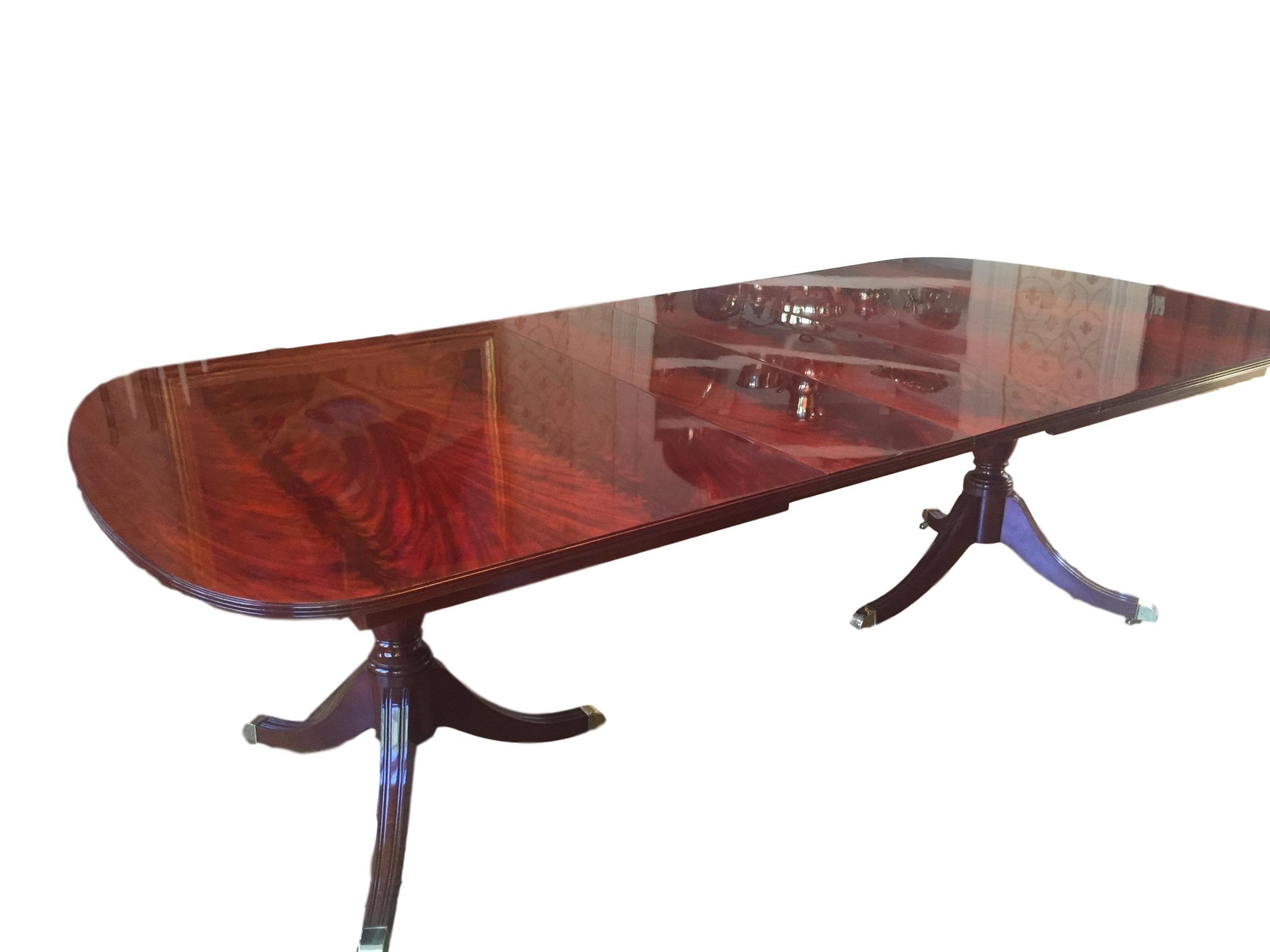 Kindel Crotch Mahogany Pedestal Dining Table Chairish : cf3f1523 9fe4 478b b08e b05e8089b75baspectfitampwidth640ampheight640 from www.chairish.com size 640 x 640 jpeg 22kB