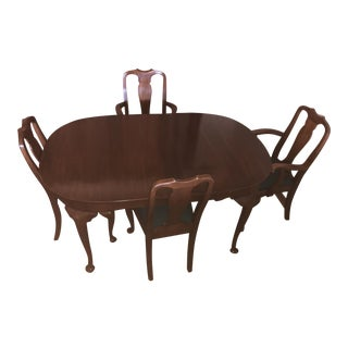 Henkle Harris Solid Wild Black Cherry Queen Anne Table and Four Chairs