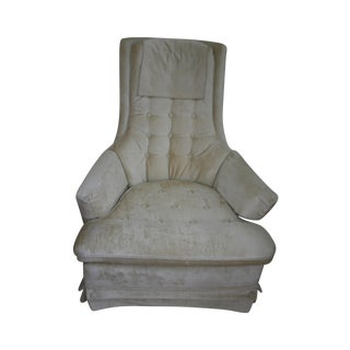 Broyhill Ivory Plush High-Back Chair