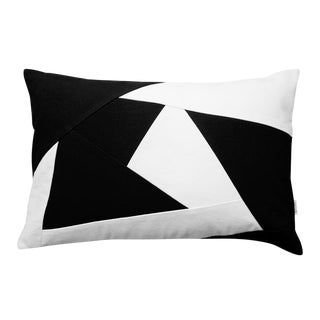 Black & White Geometric Design Throw Pillow