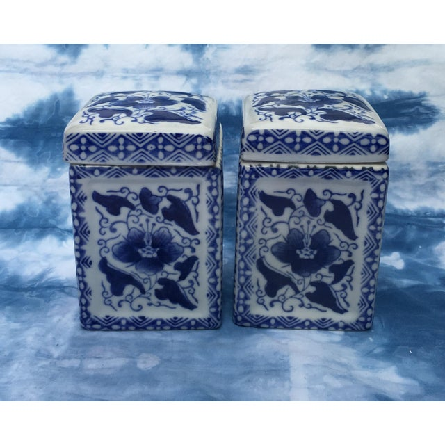 Vintage Chinoiserie Square Ginger Jar - Pair - Image 6 of 7