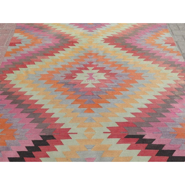 "Vintage Turkish Kilim Rug - 5'9"" X 9'3"" - Image 6 of 11"