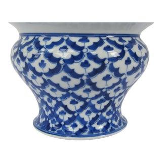 Blue & Whit Porcelain Pot
