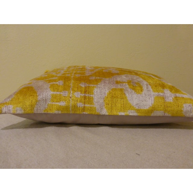 Yellow Silk and Cut Velvet Pillow - Image 5 of 7