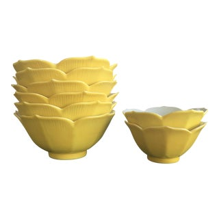 Set of 8 Chinois Porcelain Yellow Lotus Bowls