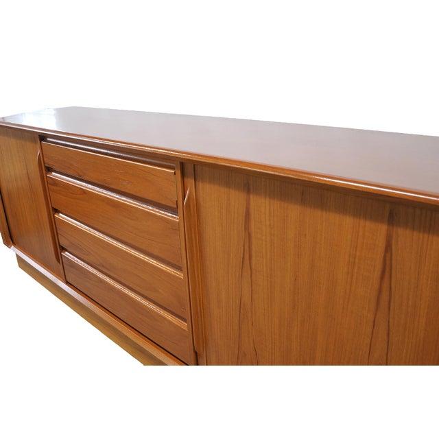 Mid-Century Modern Dresser - Image 6 of 7