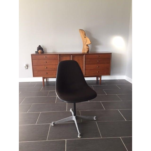 Herman Miller Mid Century Swivel Chair - Image 2 of 5