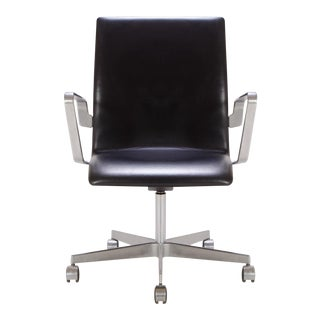 Oxford Low-Back Chair in Leather by Arne Jacobsen for Fritz Hansen