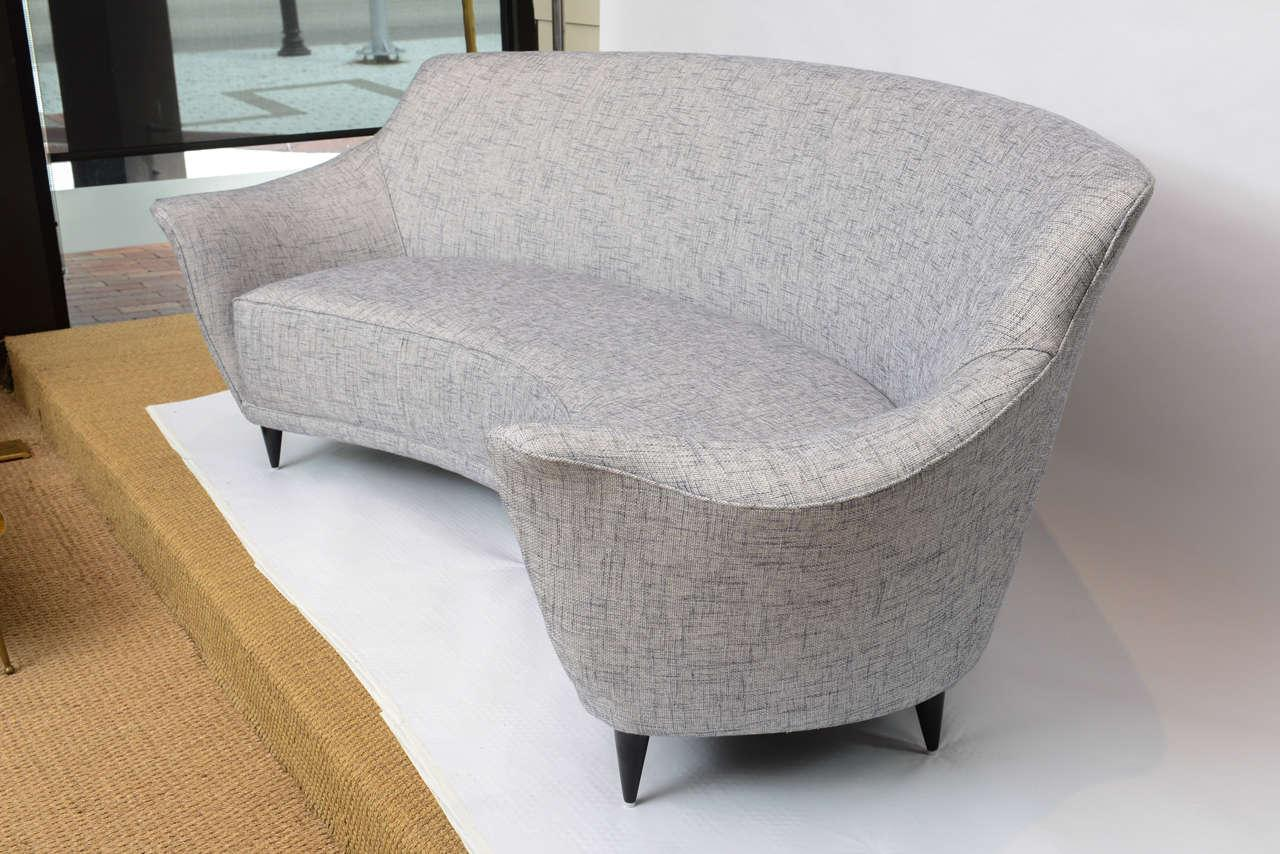 Superb Ico Parisi Curved Back Sofa Manufactured By Ariberto Colombo   Image 3 Of 10