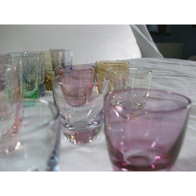 Vintage Multi-Colored Cocktail Glasses - 23 Pieces - Image 6 of 11