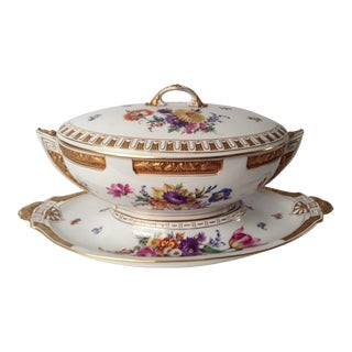 19TH CENTURY KPM TUREEN AND STAND, HAND PAINTED & HEAVILY GILT ENCRUSTED
