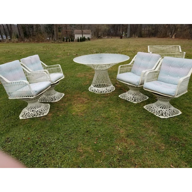 Russell Woodard Spun Swivel Fiberglass Style Chair Table Patio Set - Image 10 of 11