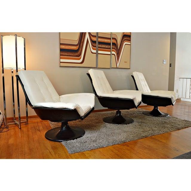 Decorian Swivel Tulip Base Chairs - Set of 3 - Image 4 of 11