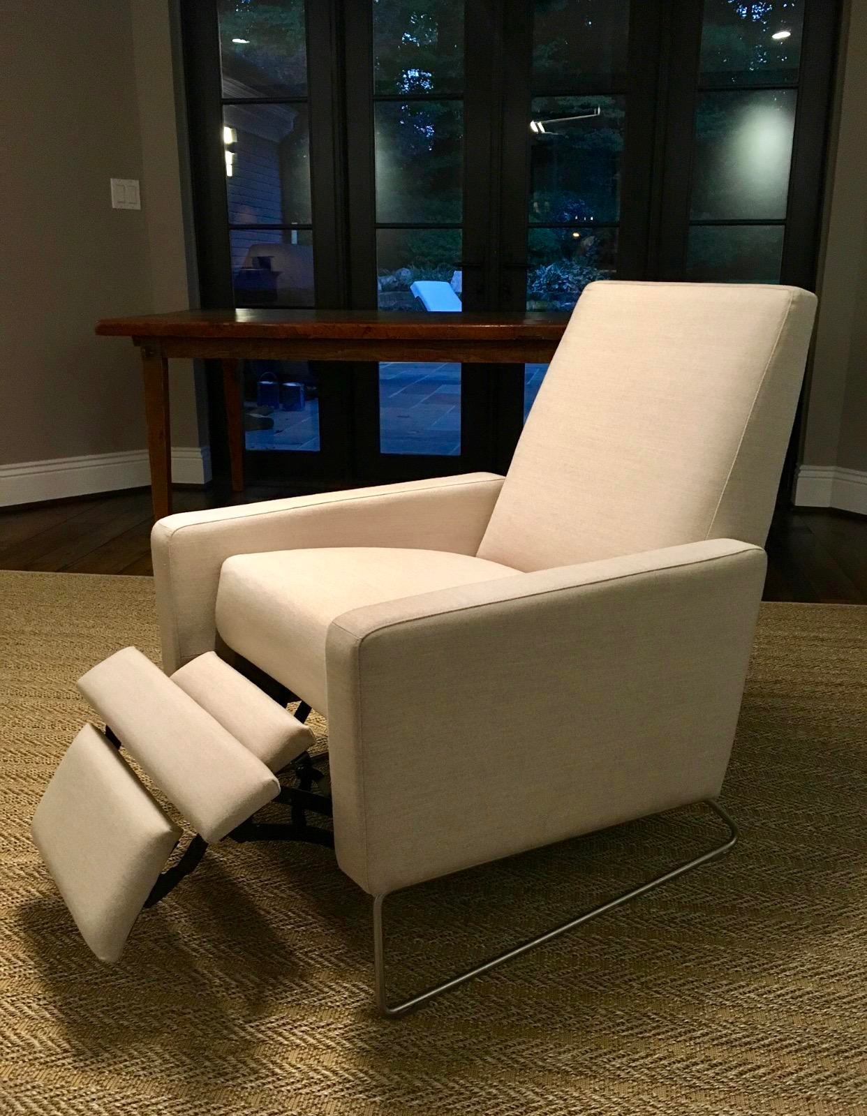 Charming Design Within Reach Flight Recliner   Image 4 Of 9