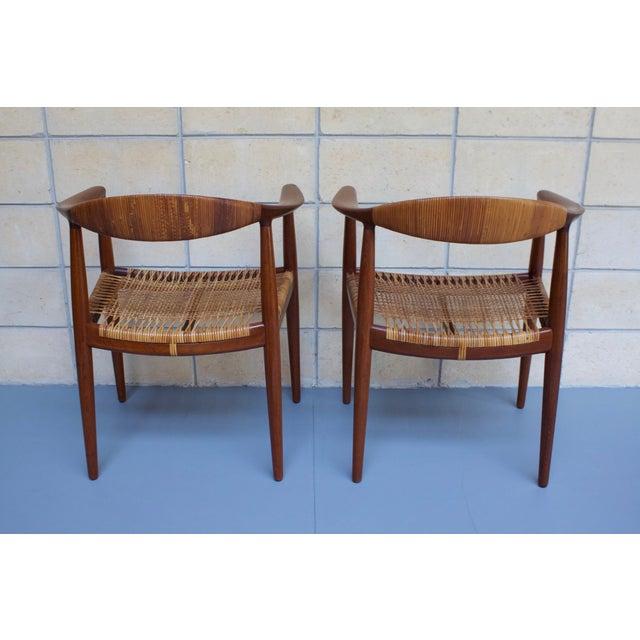 Hans Wegner Johannes Hansen 'The Chair' - A Pair - Image 5 of 10