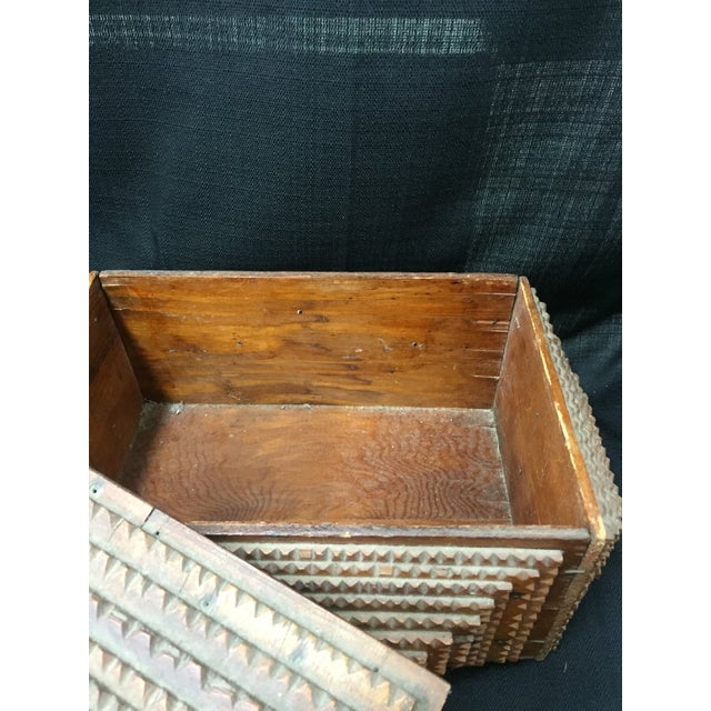 Early 20th Century Chip Carved Tramp Art Box - Image 6 of 7