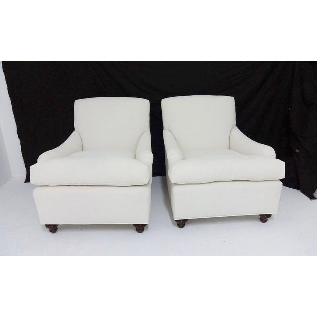 English Country House Style Club Chairs - A Pair - Image 6 of 6