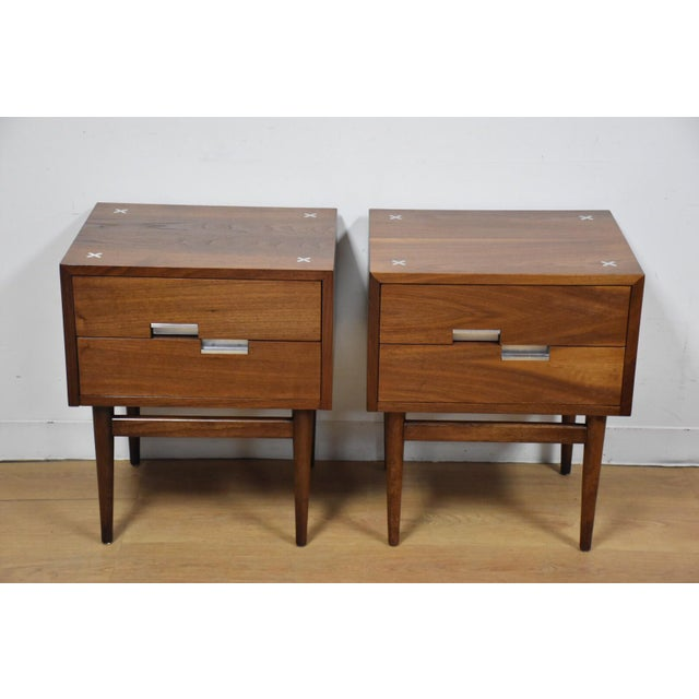 American of Martinsville Walnut Nightstands - A Pair - Image 2 of 9